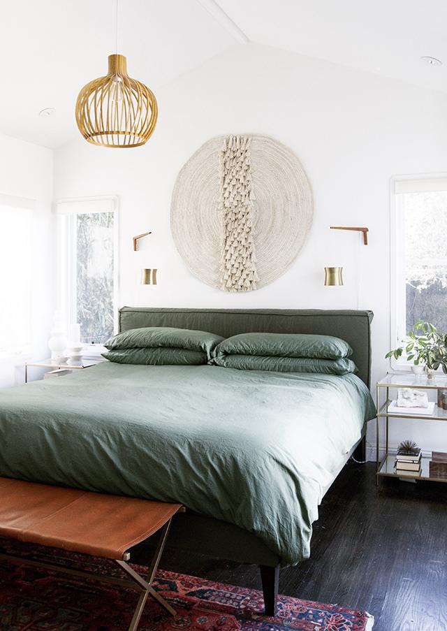 4_ideas_fáciles_para_hacer_un_cabecero_en_clave_low_cost_decoración_alfombra_fibra_natural-03