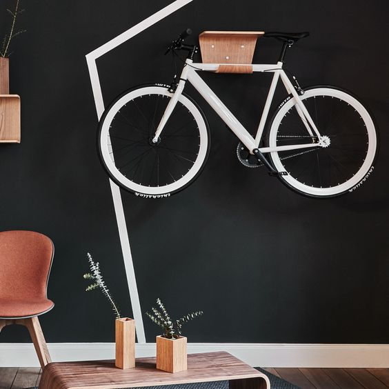 guardar la bici en casa - integrada con la decoracion