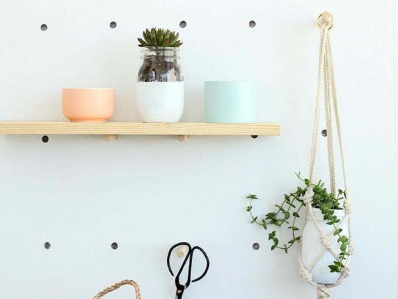 5_DIY_para_decorar_tu_casa_al_estilo_californiano_macetero-macrame-08