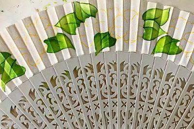 abanico-detalle-hojas-invitado-creativo-elmundodececilia