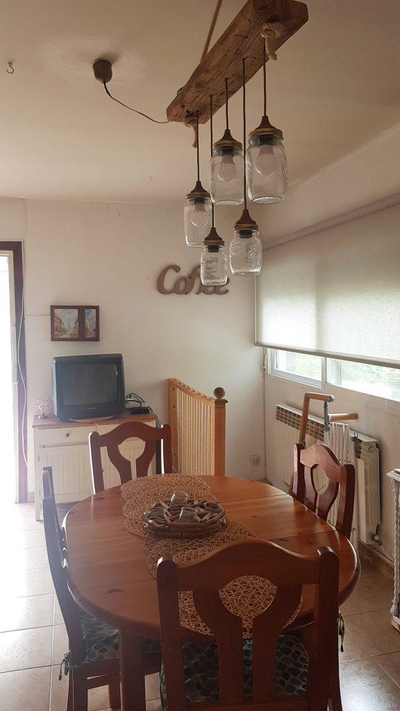 Comedor estilo rustico chic - El despues - Detalle de la mesa y la lampara de comedor