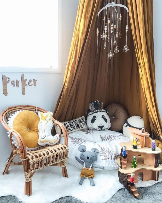 corner dossel decoration