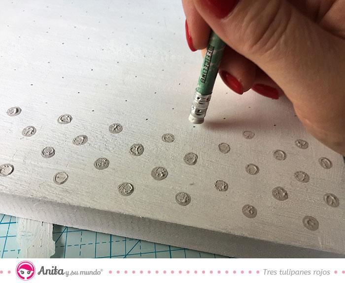 decorar panel de fotos papel estampado