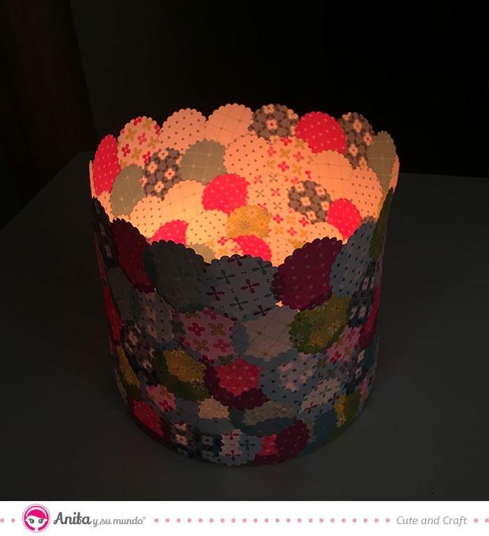 lámpara con papel encendida