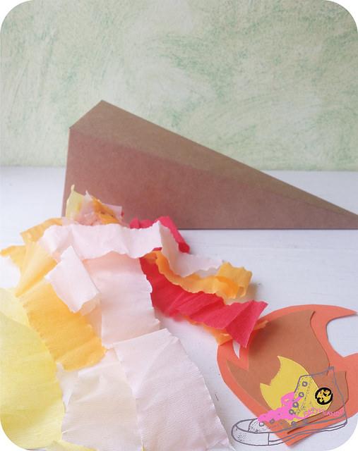 antorcha con caja de cartón