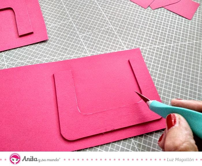 cómo cortar cartón base manualidades