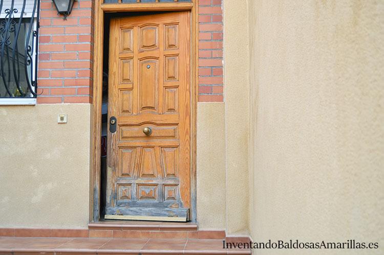 antes-despues-puerta-madera