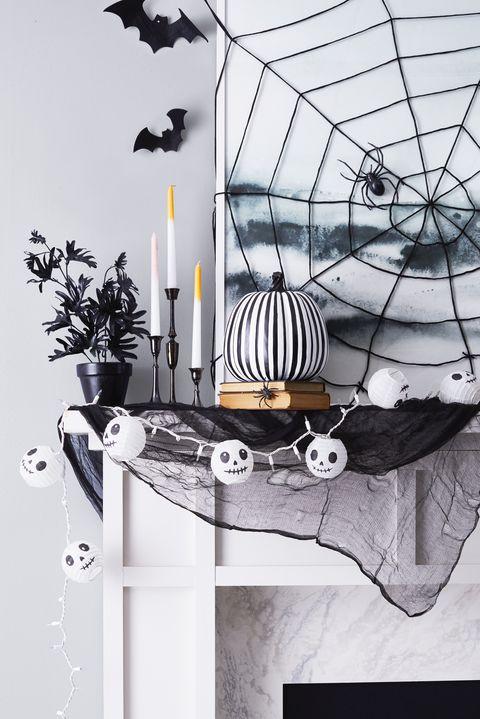 Chimenea decorada para Halloween