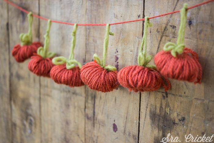 guirnalda de pompones de lana calabaza halloween