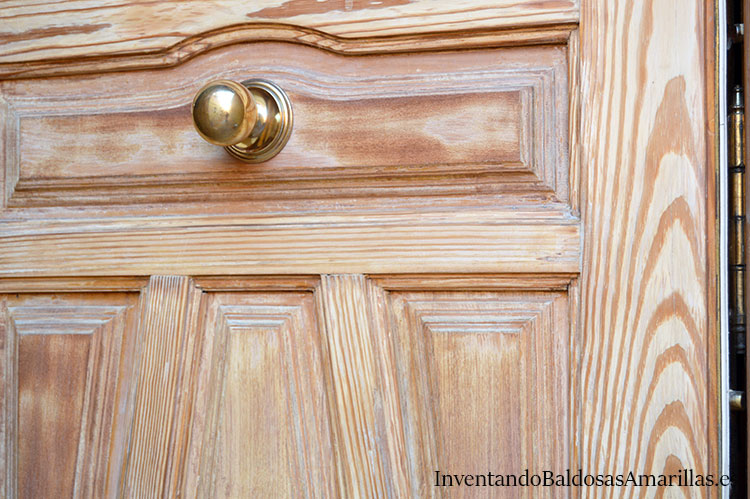 lijar-puerta-madera