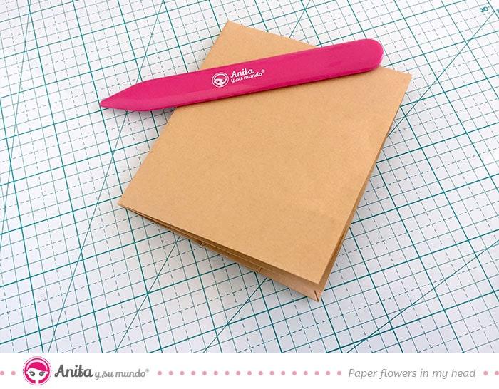 usar bolsa de papel para hacer un album