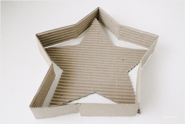 centro-mesa-navidad-estrella-carton-diy-paso-3