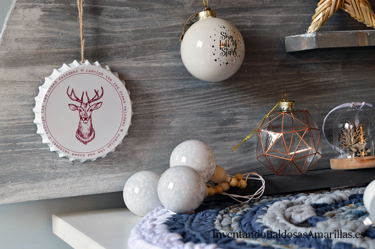 adornos-blancos-árbol-de-navidad-de-madera