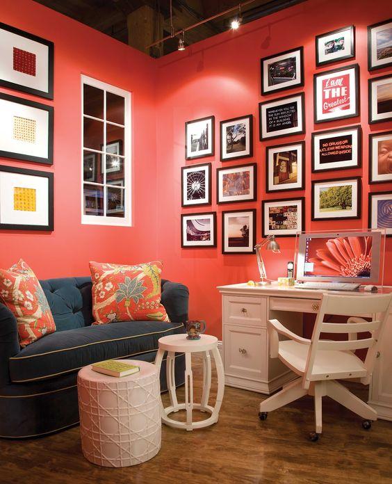 Composición de cuadros con color coral