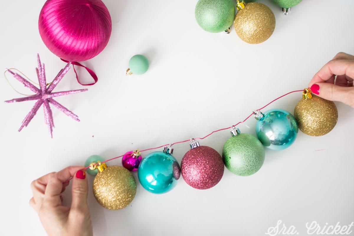 manualidades con bolas de navidad