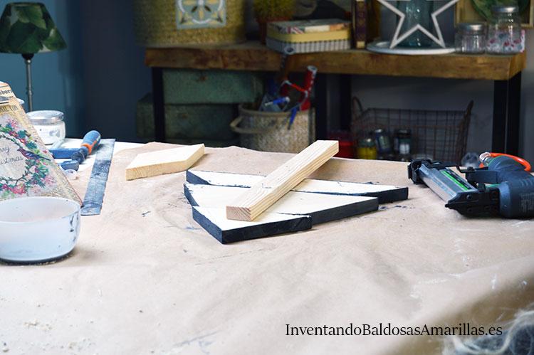 montar-arbol-navidad-madera-reciclada