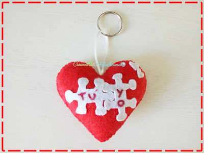 llavero-de-corazon-en-fieltro-detalle-para-san-valentin-creandoyfofucheando