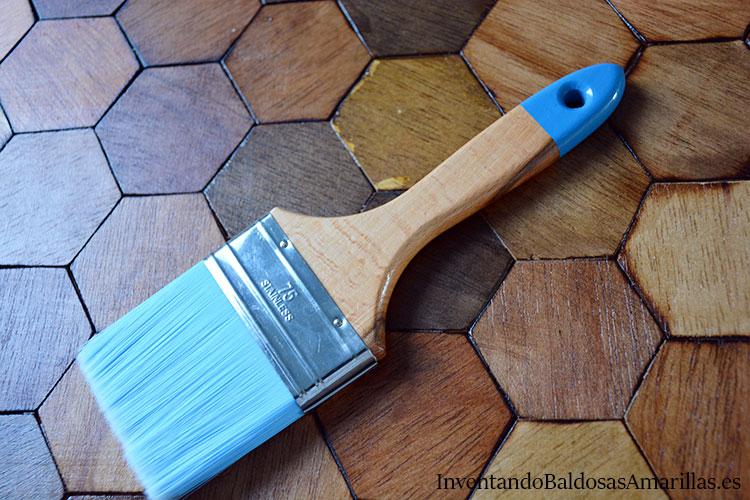 barnizar-piezas-de-madera