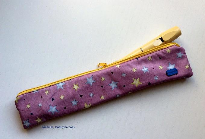 Con hilos, lanas y botones: Estuche para flauta