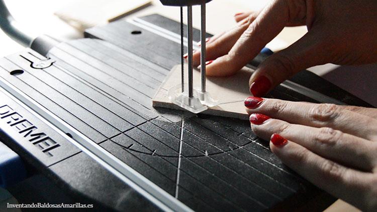 cortar-piezas-de-madera-sierra