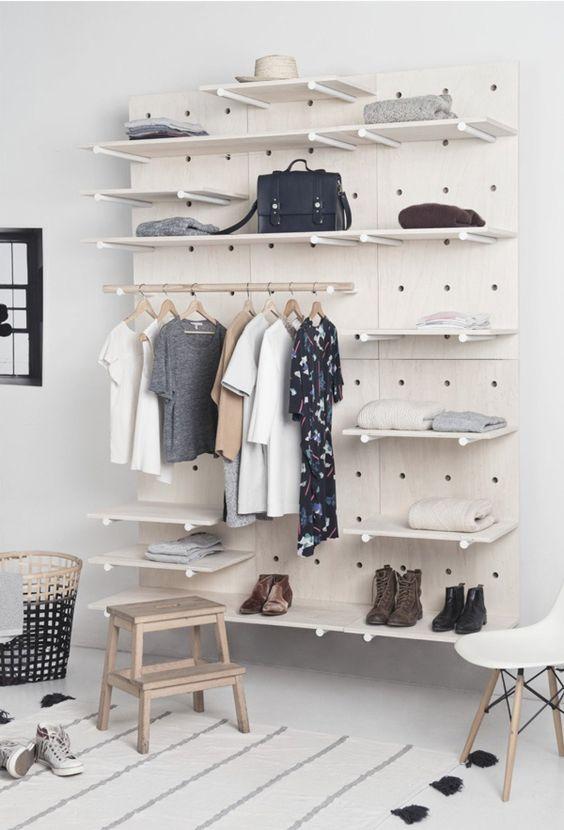 Un vestidor nórdico y sencillo