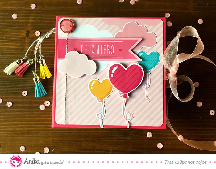 mini album romántico hecho con papel estampado