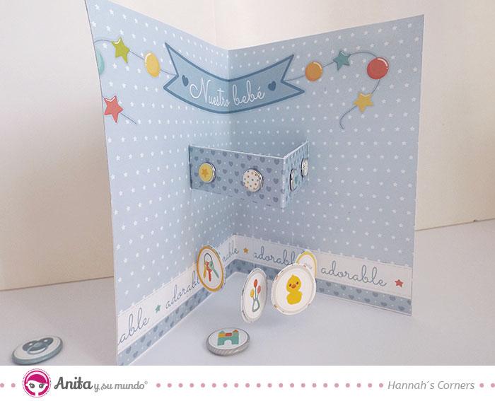 tarjeta de papel con movil de bebé