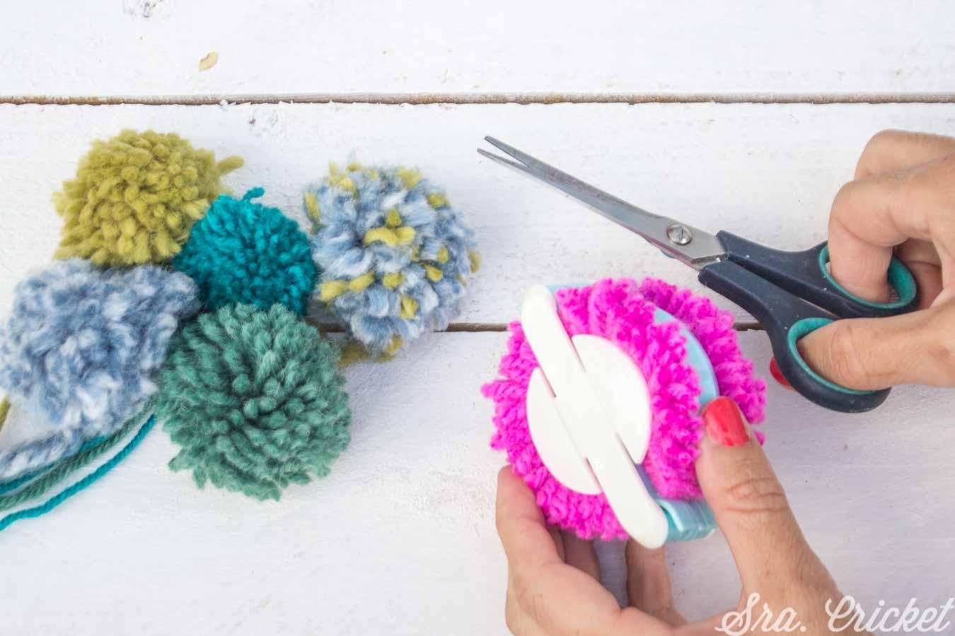 decorar con pompones de lana
