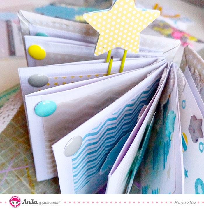 cómo decorar album scrapbook con enamel dots