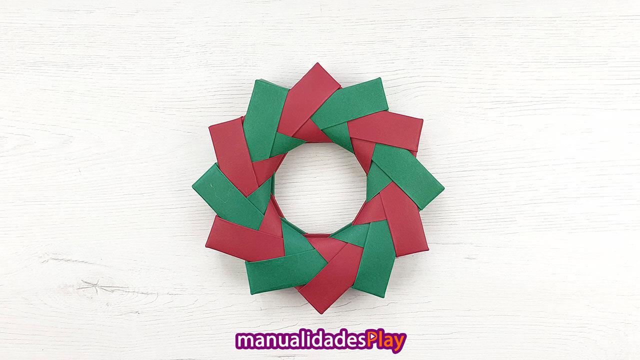 Adorno de Navidad en forma de corona para decorar