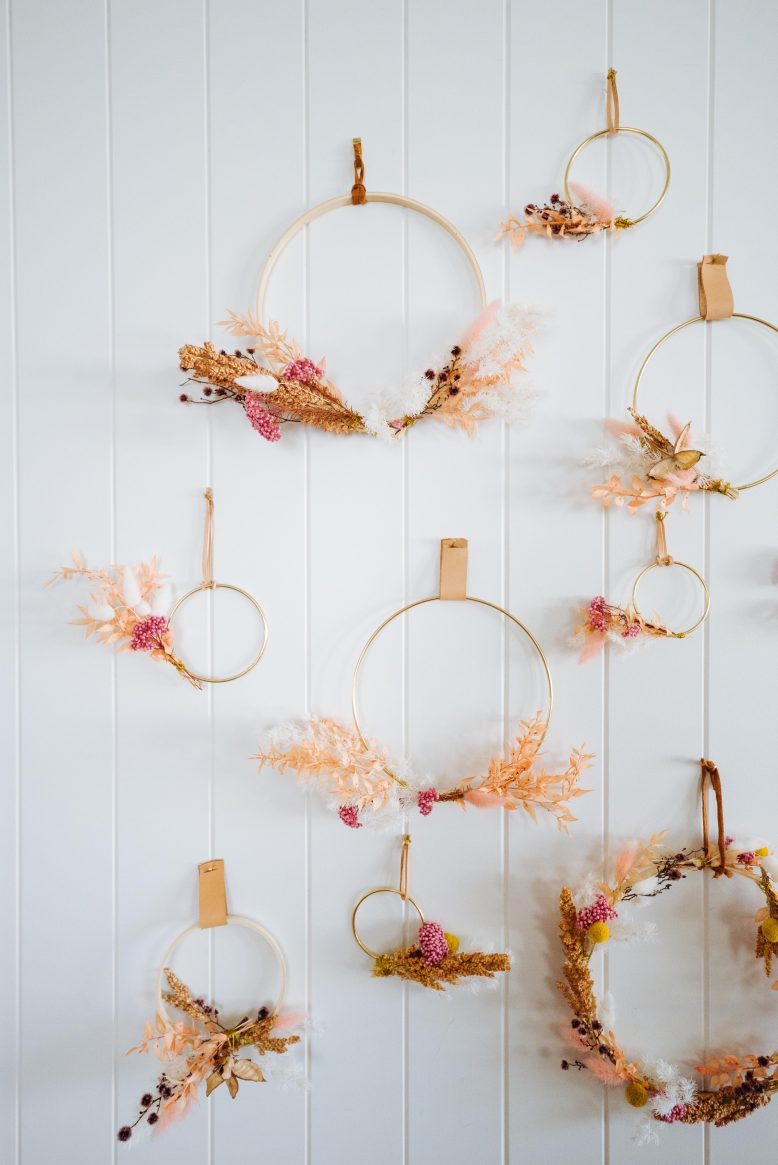 3-Easy-Dried-Flower-Wreath-1-of-3-778x1165