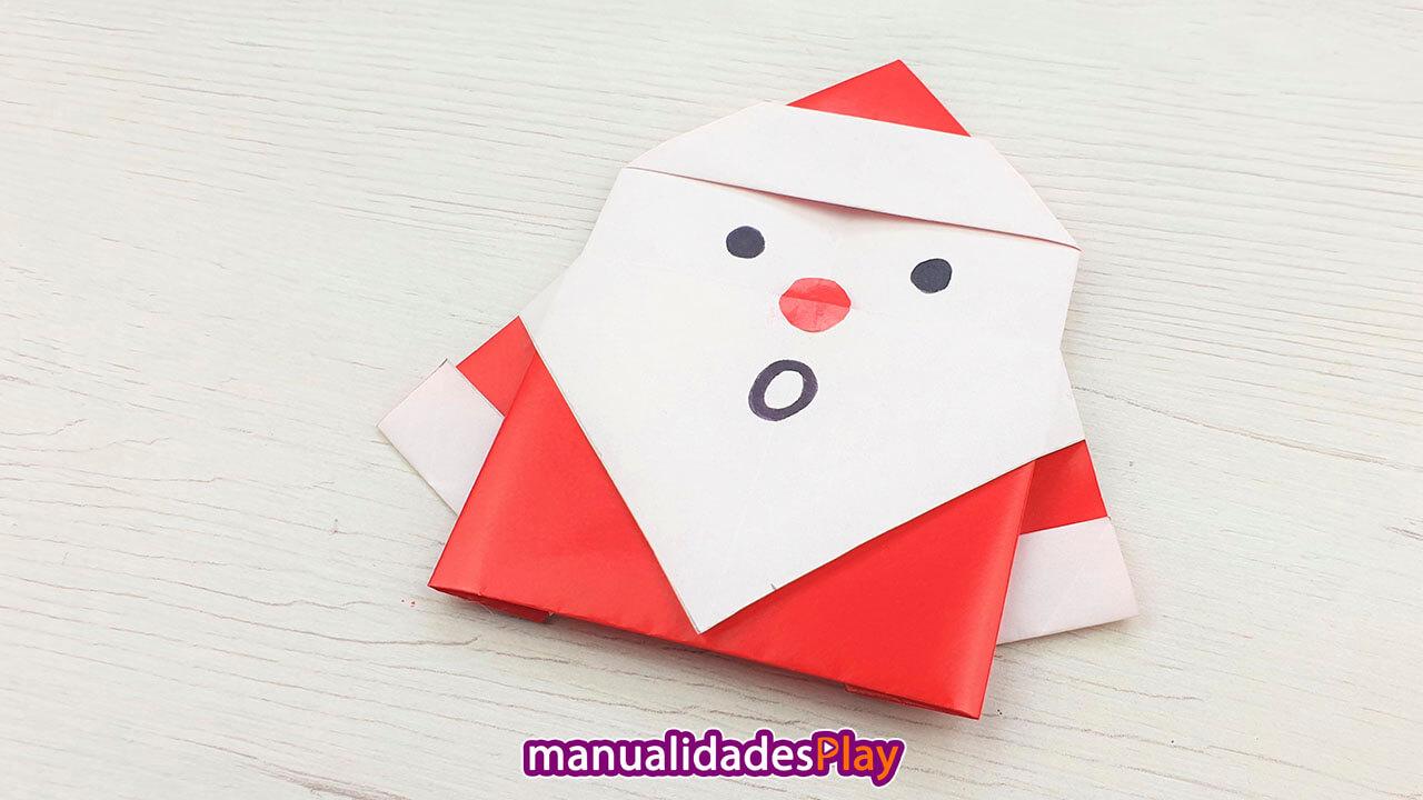Manualidad de Santa Claus de papel con la boca abierta