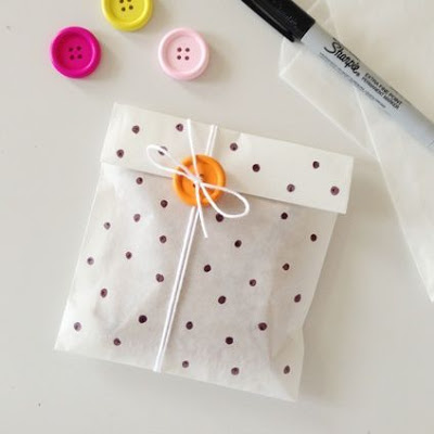 http://www.nosolobebes.com/envolver-regalos-de-una-forma-original/