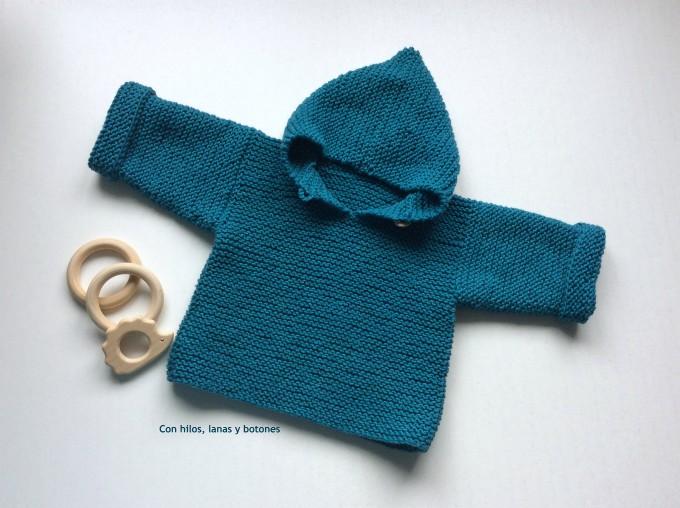 Con hilos, lanas y botones: Jersey con capucha para bebé (patrón gratis)