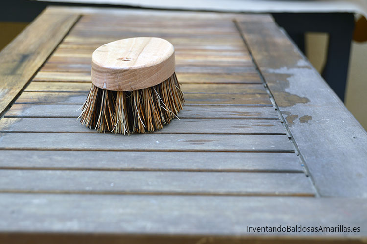 limpiar-mesa-madera-teca