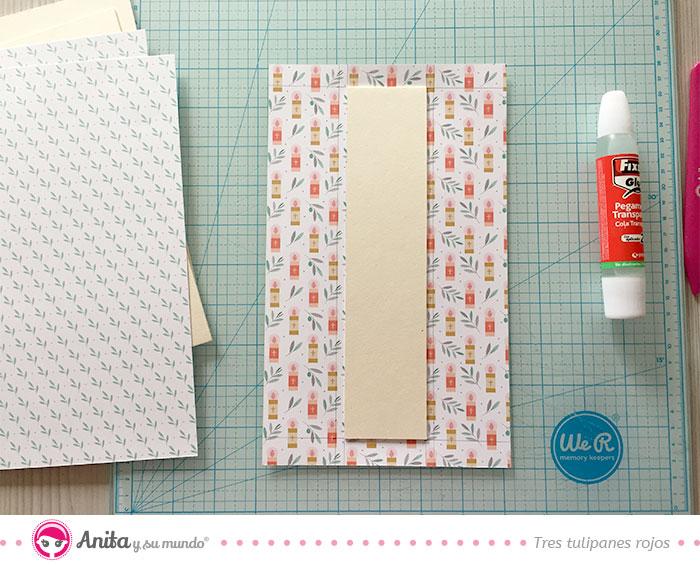 como forrar carton contracolado con papel scrapbooking