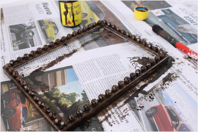 portafotos-diy-renovado-collar-perlas-betun-judea-paso-3