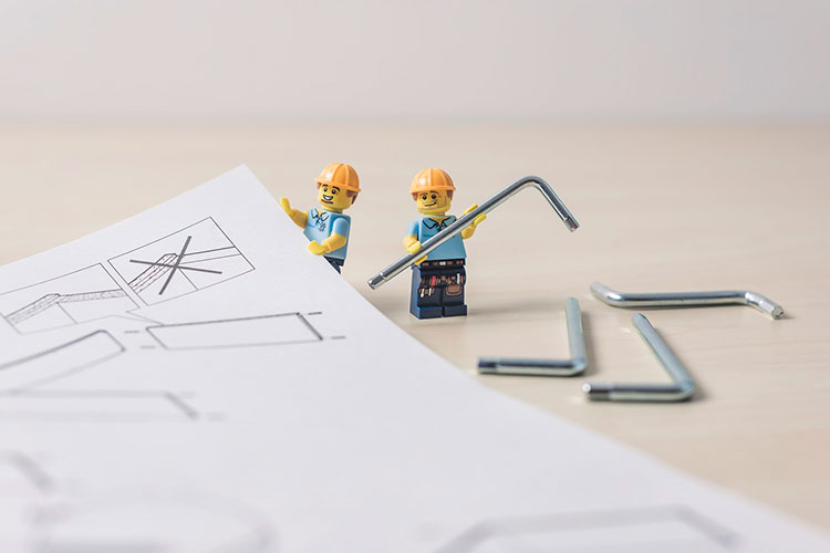 ideas para reciclar objetos de tu caja de herramientas