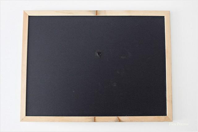 cuadro-reciclado-sin-cristal-colgar-lamina-diy-materiales-pizarra
