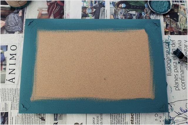 cuadro-reciclado-sin-cristal-colgar-lamina-diy-paso-3