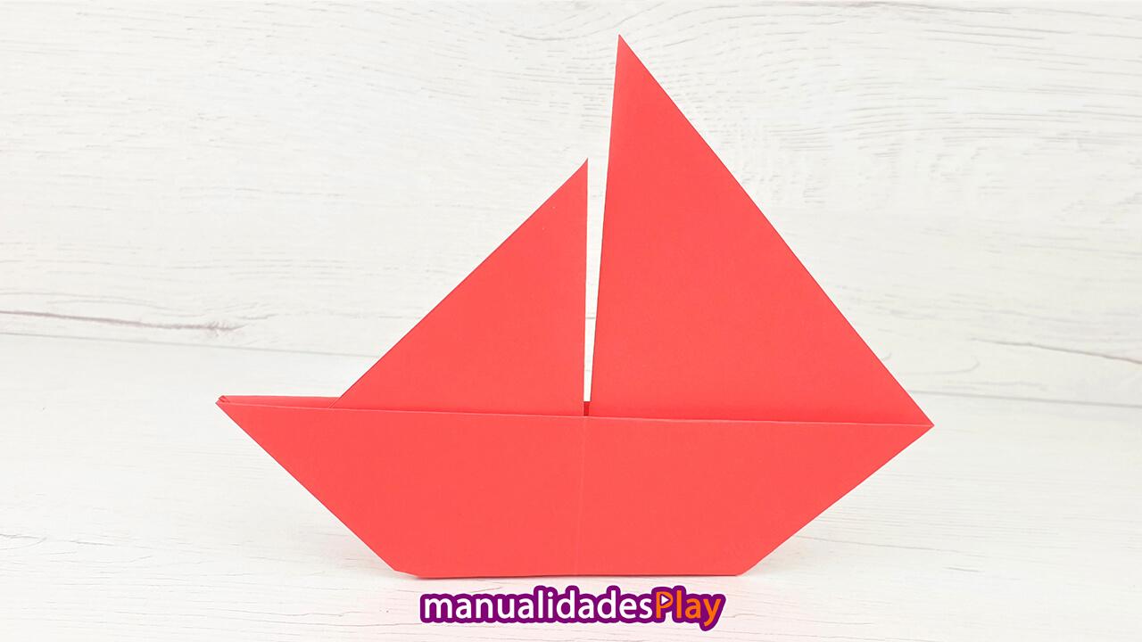 Barco velero de papel fácil con soporte