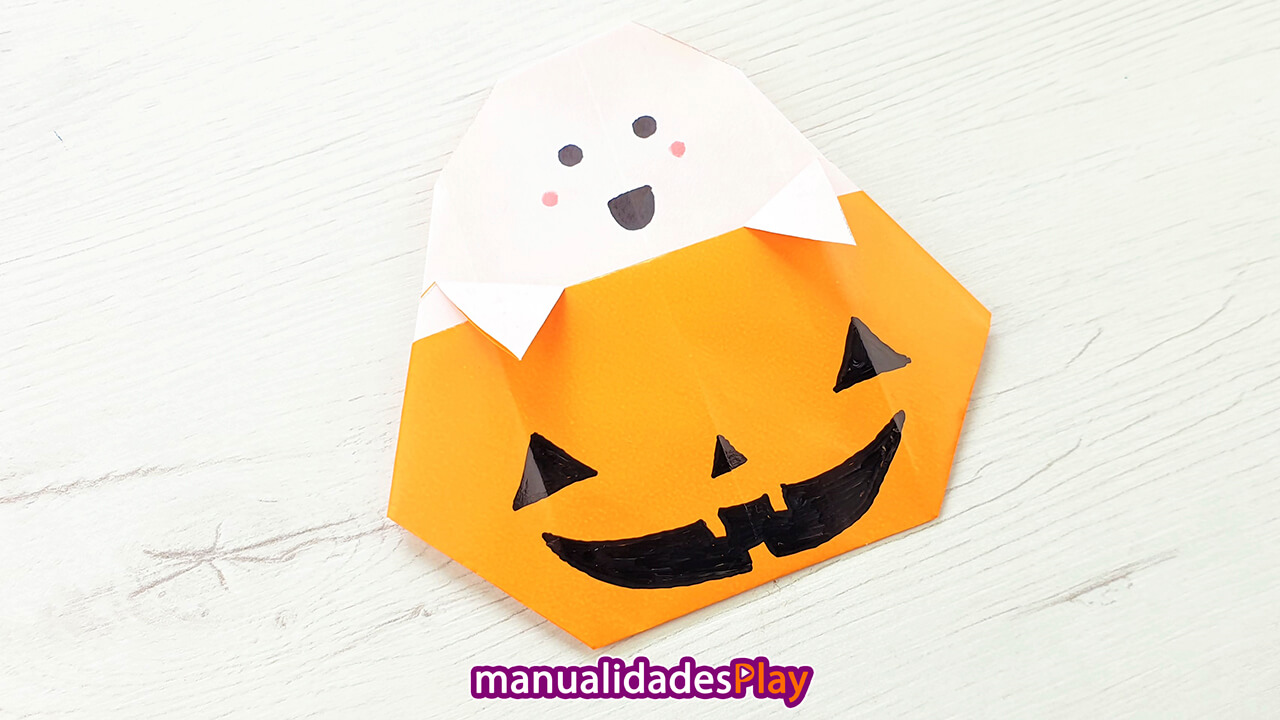 Fantasma y calabaza para Halloween realizando con papel