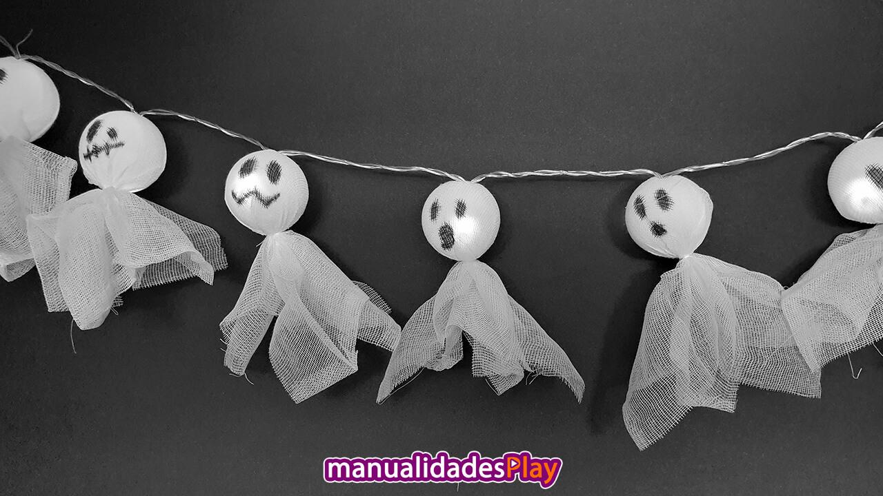 Guirnalda de fantasmas iluminados hechos manualidades