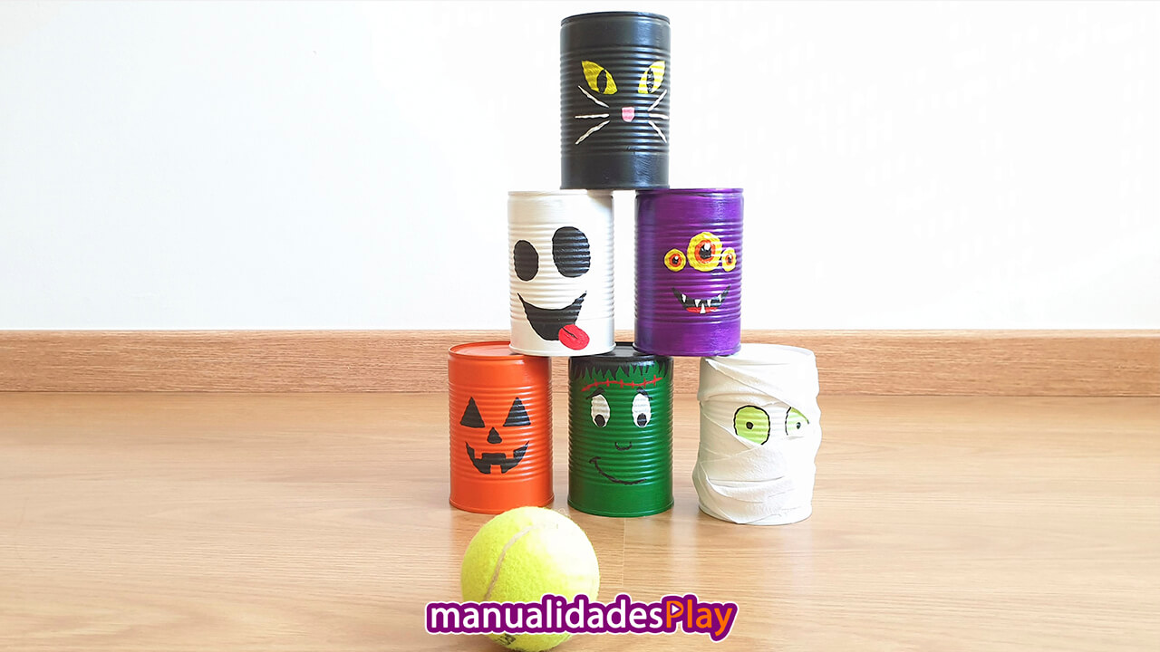 Juego para Halloween con latas de metal recicladas