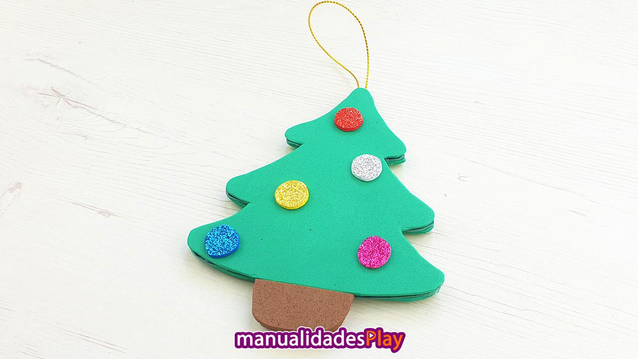 Árbol de Navidad reciclando un cd y goma eva