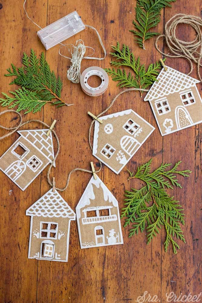 manualidades navideñas para niños casitas de cartón