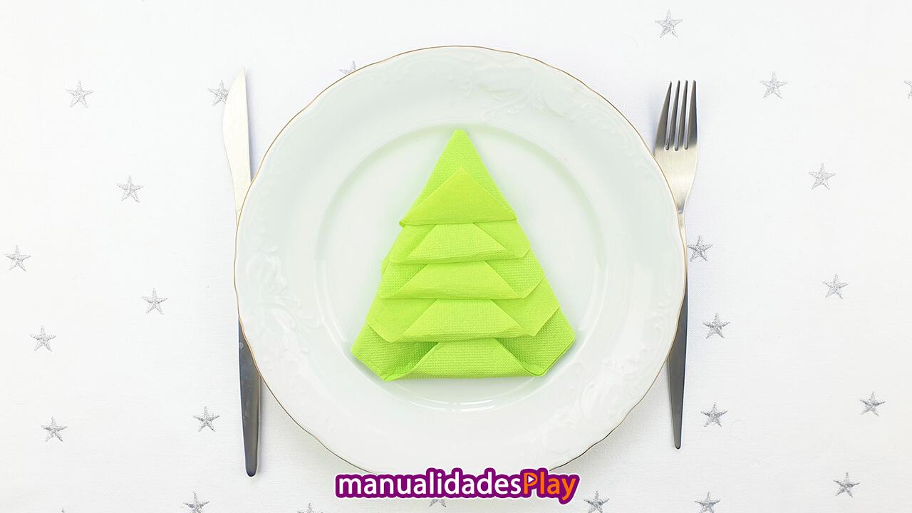 Servilleta de papel en forma de árbol de Navidad