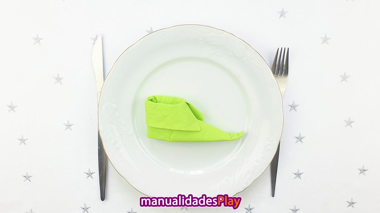 Servilleta de papel en forma de bota de elfo