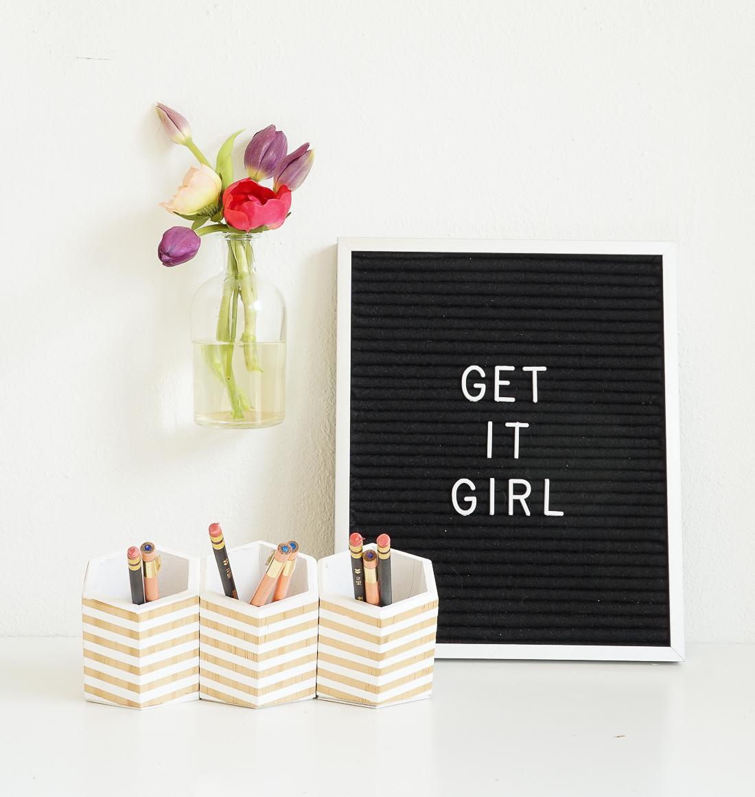5_DIY_crear_detalles_con_flores_florero_pared_decoración_interiores_hogar-05