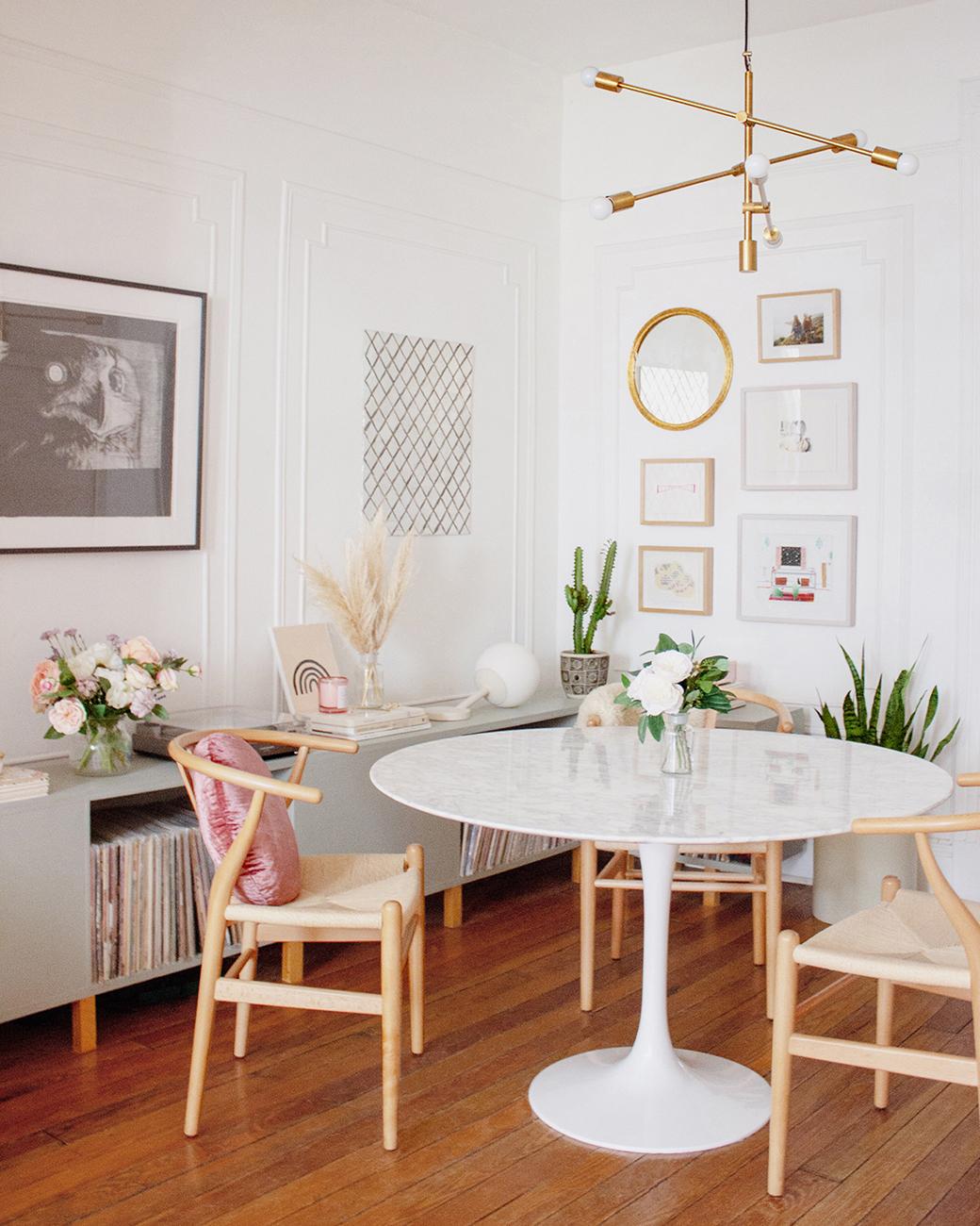 Decorar un salón comedor moderno